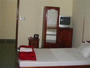 Phòng 1 giường đơn + 1 giường đôi